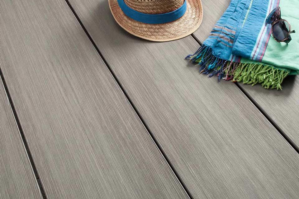 BPC Terrassendielen – BPC Master Silver Cedar | Der Parkett Riese Köln